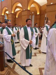 Entrada dos Sacerdotes na Missa Solene